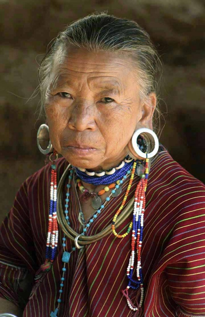 Tribes_woman_with_ear_piercing